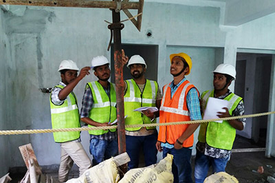 how to become a health and safety officer in construction